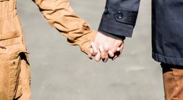 手をつなぐ・パートナー