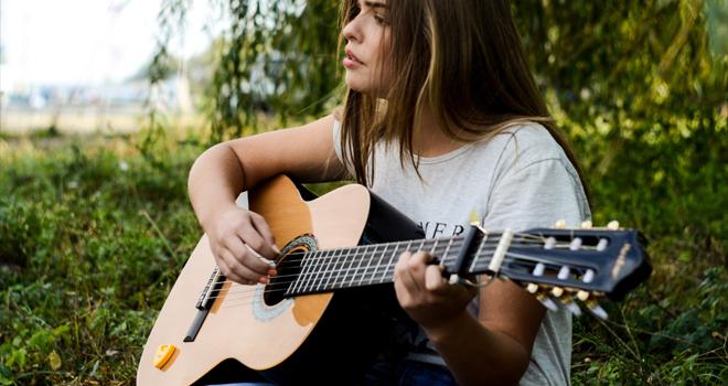音楽を聴いたり演奏する