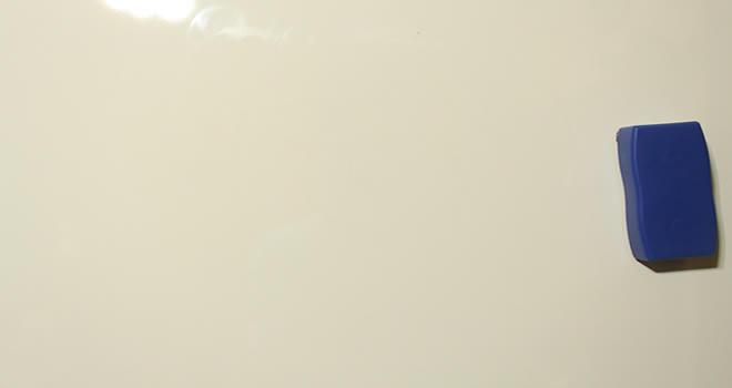 【ナカバヤシ】薄型アルミホワイトボードのレビュー使ってみた感想!900×600mm WBA-U9060マーカーの跡2